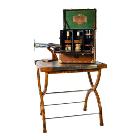 safari bar case on folding map table